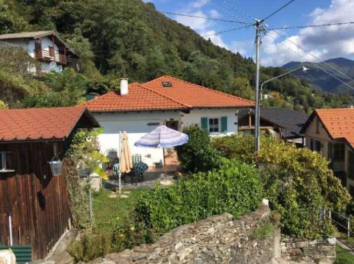 Objekt einfamilienhaus in halbh henlage for Ferienimmobilien italien