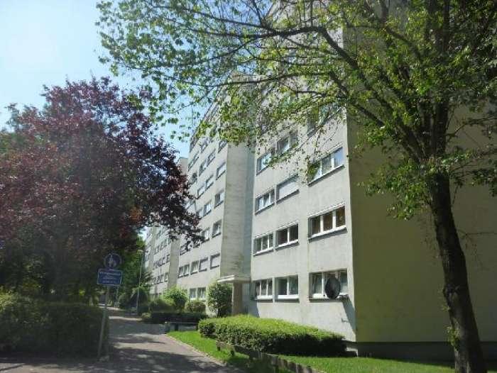 Objekt Vermietete 3 Zimmer-Wohnung in FR-Landwasser mit Garage  und Stellplatz !!!